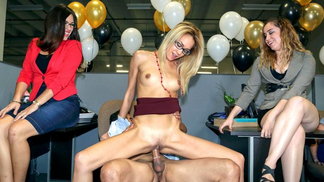 DANCING BEAR – Secretaries Suck Dick And The Manager Hardcore Fucked!