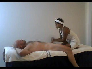 CFNM Dude Gets A Full-Pack Massage From African Masseuse