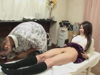 Uncensored Bizarre Japanese Babe In Shaving Salon